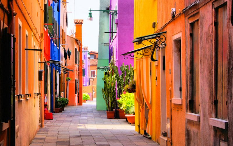 SEPTEMBER | Burano Venice in Italy | italycreative.it