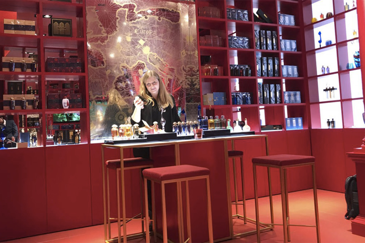 Glamour Perfume Experience